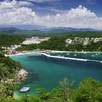 Santa Cruz Bay cruise international boat Huatulco Mexico